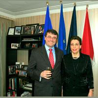 Excelenta Sa, Dna Elena Stefoi,  Ambasador al Romaniei in Canada