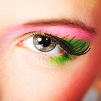 Machiaj de primavara: Verde, bleu, roz intens, galben, violet