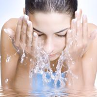 Rasfata-ti tenul cu cosmetice pe baza de apa termala