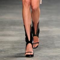 Incaltaminte in tendinte: Care sunt modelele la moda in 2011 (I)