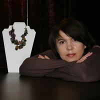 Lorina Balteanu va recomanda bijuterii speciale