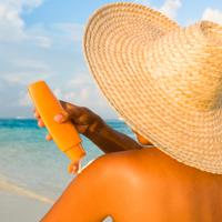 12 sfaturi utile pentru a va proteja de soare