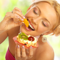 Mancatul rapid poate duce la obezitate