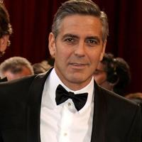 George Clooney se simte bine in preajma femeilor puternice