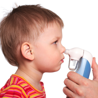 Schimbarile climatice sunt daunatoare copiilor cu astm