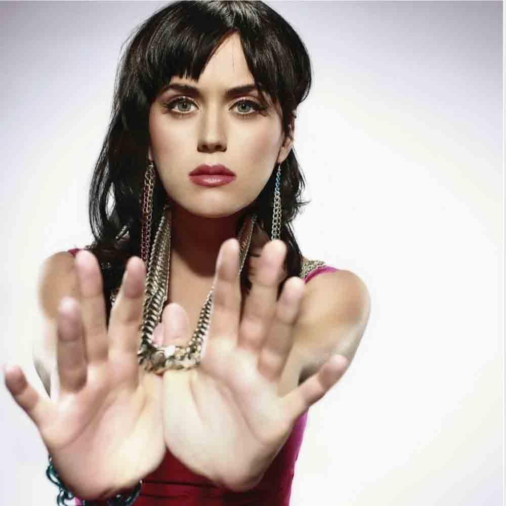 Katy Perry nu se gandeste sa devina mama