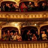 Teatru: 9 grade la Paris