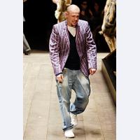 Brandul inovatiei: Alexander McQueen