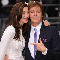 Paul McCartney a sarbatorit in cinstea nuntii sale