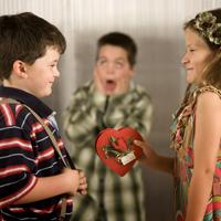 Copiii si adolescentii timizi ar putea suferi de sociofobie
