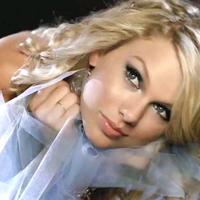 Taylor Swift a donat 6000 de carti unei biblioteci