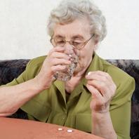 Consumul regulat de aspirina afecteaza vederea la batranete