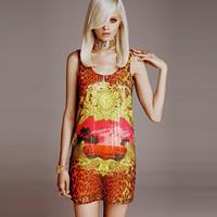 Primele fotografii ale colectiei Versace pentru H&M