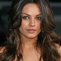 Mila Kunis nu este obisnuita sa fie admirata si complimentata