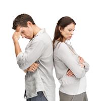 Fetele sufera mai mult decat baietii atunci cand prietenii le dezamagesc