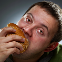 Persoanele supraponderale mananca mai rar decat persoanele cu o greutate normala