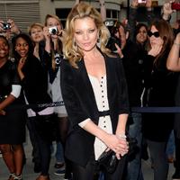 Poze nud cu Kate Moss, vandute la licitatie