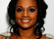 Alesha Dixon – ambasadoarea companiei de cosmetice Avon