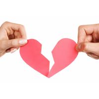 Emailul si SMS-ul, noile metode de a te desparti de partener