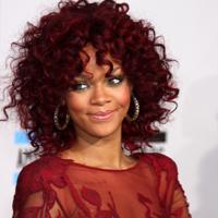 Rihanna i-a sfatuit pe prietenii fratelui ei sa foloseasca mereu prezervativ
