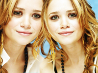 Mary-Kate si Ashley Olsen: pe locul intai in topul celor mai bine imbracate surori-vedeta