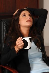 Dependenta de cofeina? Iata cum scapi!
