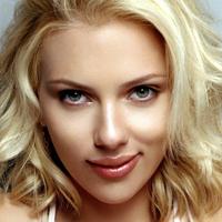 Scarlett Johansson vorbeste despre fotografiile in care apare goala