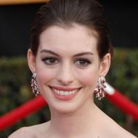 Anne Hathaway si Jessica Biel se cearta pe filme