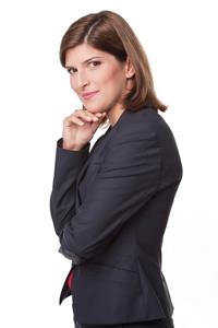 """Alina Petrescu:  """"Nimeni si nimic nu poate fi redus la ceea ce pare"""""""