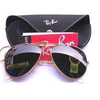 Ray Ban: ochelarii care au facut legatura intre generatii