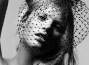 Milla Jovovich si Kate Moss au pozat nud pentru Calendarul Pirelli 2012