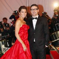 Justin Timberlake si Jessica Biel s-au logodit