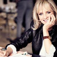 Twiggy isi lanseaza prima colectie de haine pentru Marks&Spencer