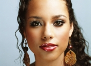"Alicia Keys: ""Whitney a fost un inger pe pamant"""