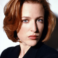 Gillian Anderson, actrita din Dosarele X, a marturisit ca este bisexuala