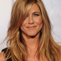 Jennifer Aniston cheltuieste sume uriase pentru iubitul sau
