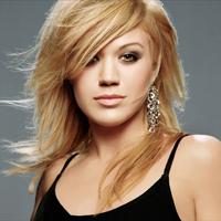 Kelly Clarkson are in sfarsit o relatie