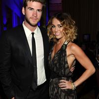 Miley Cyrus s-a logodit cu Liam Hemsworth?