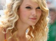 Taylor Swift adora sa vorbeasca singura