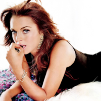Lindsay Lohan a revenit la culoarea ei naturala de par