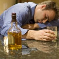 Britanicii la varsta a doua consuma mai mult alcool decat tinerii