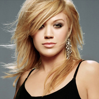 Kelly Clarkson are in sfarsit o relatie