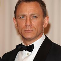 Daniel Craig nu va renunta curand la James Bond