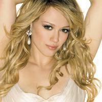 Hilary Duff isi mentine silueta dupa nastere cu Pilates