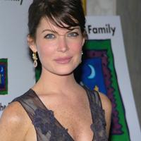 Lara Flynn Boyle, victima operatiilor estetice