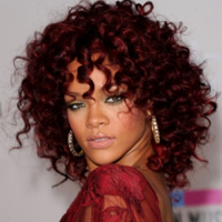 Noua colectie Armani, creata de Rihanna