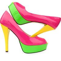 Sandalele, cel mai hot trend al verii