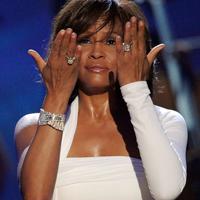 Povestea vietii cantaretei Whitney Houston, scrisa de mama sa, Cissy Houston
