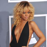 Rihanna lucreaza, in Londra, la un nou material