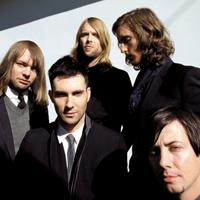 "Maroon 5 au lansat un material ""behind the scenes"" pentru piesa ""One More Night"""